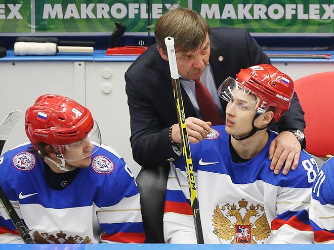 Олег Знарок и игроки сборной России по хоккею