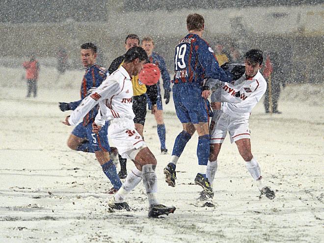 Семь памятных переносов матчей из-за плохой погоды