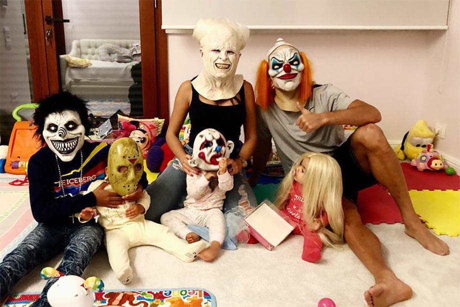 Клоун Роналду и скелет Месси. Как футбольный мир отметил Хэллоуин