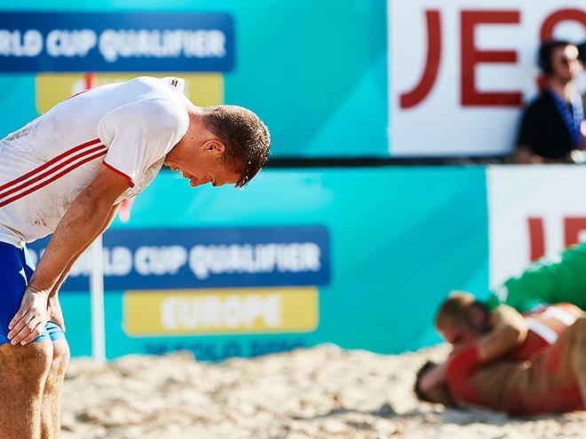 По футболу пляжному мира россия италия чемпионат