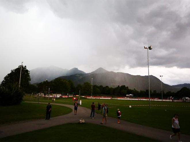 Матч «Спартака» и «Штутгарта» прервали из-за ветра и ливня