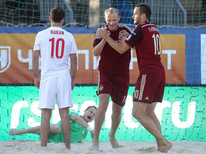 Сборная России по пляжному футболу бьётся с Польшей на московской Евролиге
