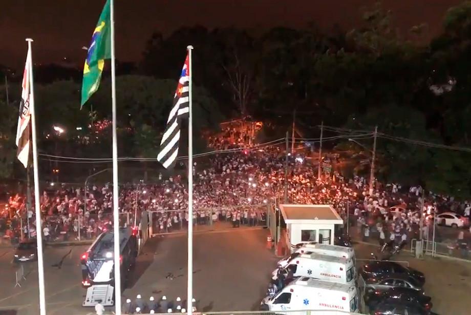 В Бразилии фанаты устроили беспорядки. Им больно уступать аргентинцам