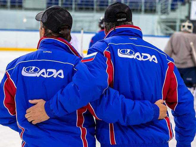 Тольятти возвращается в большой хоккей