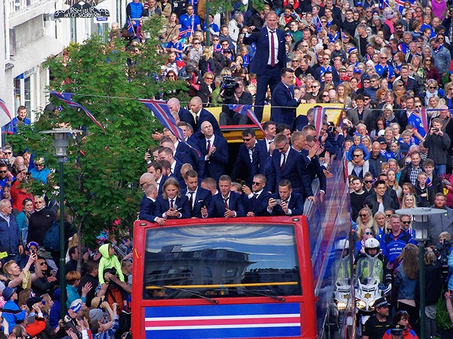 Исландия встречает свою сборную