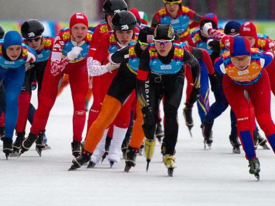 В Москве прошли первые конькобежные соревнования «Ледяной драйв»