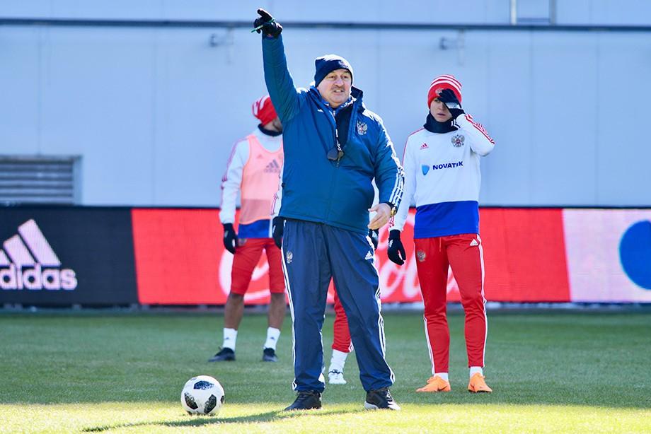 Сборная Российской Федерации сыграет спятикратными чемпионами мира пофутболу