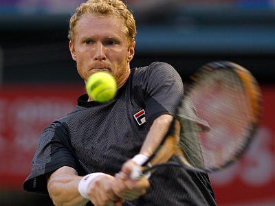 Турсунов пробился во второй четвертьфинал в сезоне