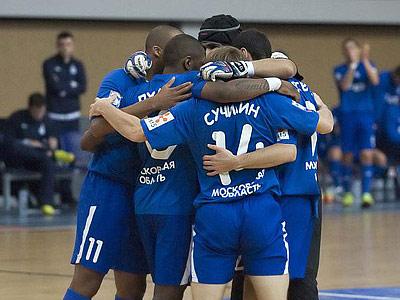 «Динамо» уверенно победило КПРФ в Суперлиге