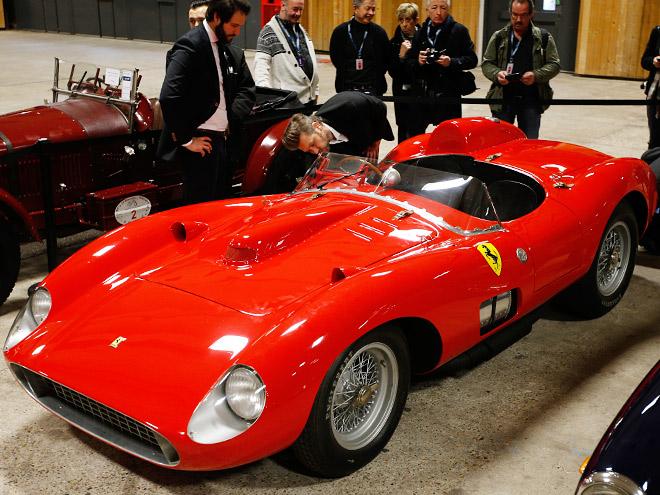 Ferrari и Audi - автопарк Лионеля Месси