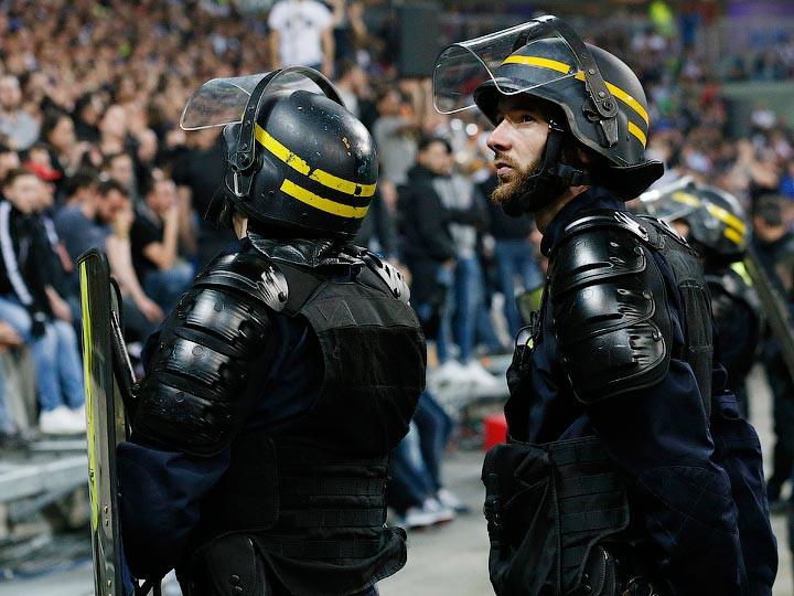 Матч Бастия— Лион прерван из-за атаки фанатов наигроков гостей