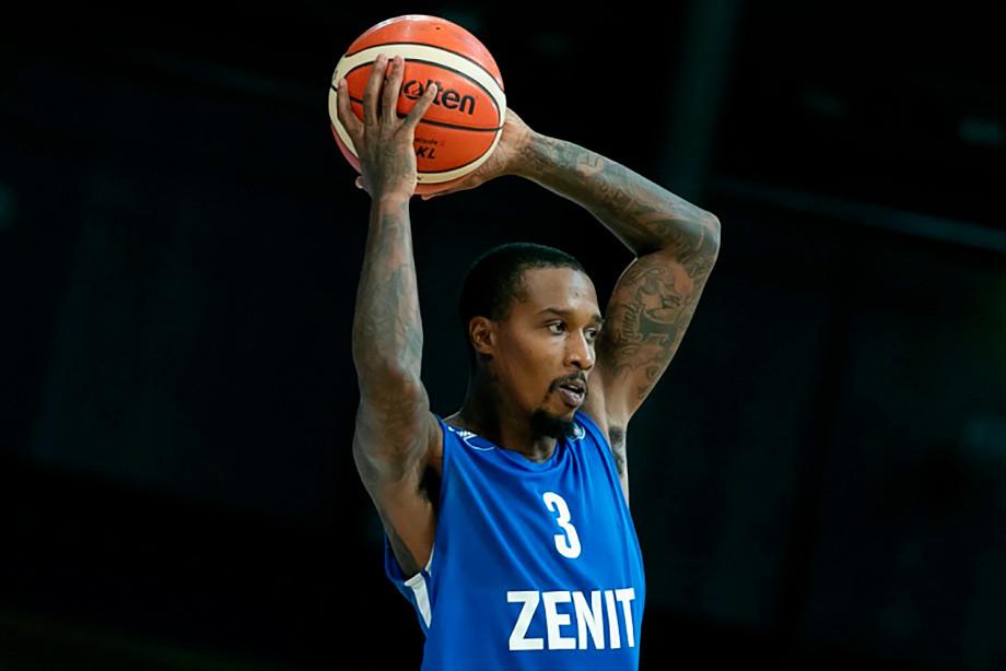 В Питере — муть. Бывшая суперзвезда НБА уедет из России?