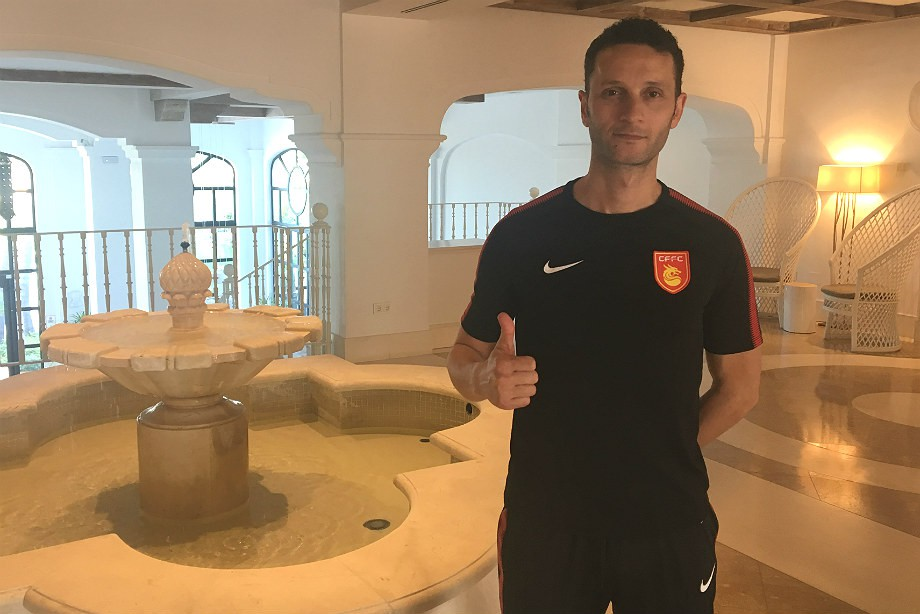 Тренер «Локомотива» уехал в Китай. Как это случилось