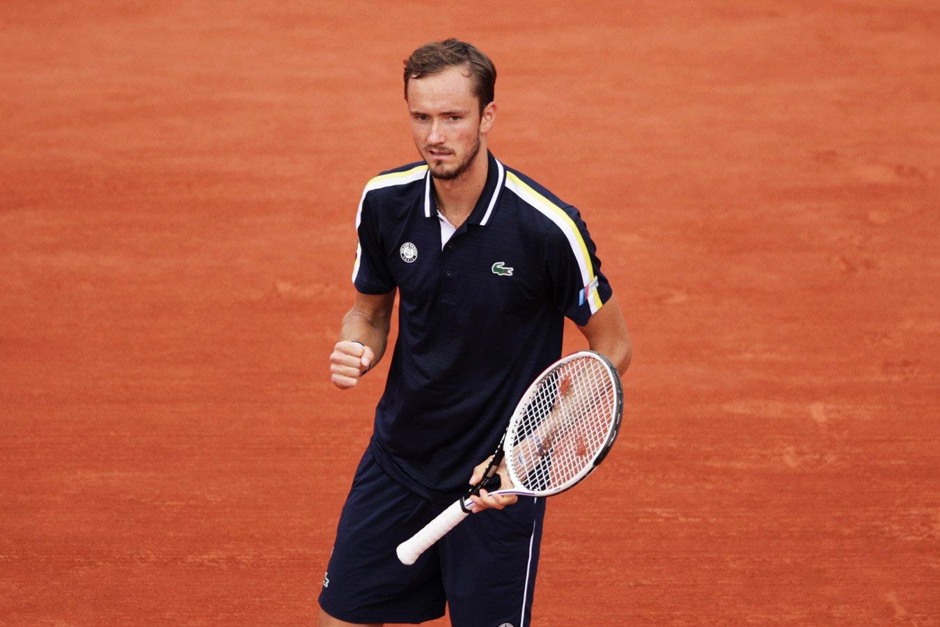 Даниил Медведев может стать первой ракеткой мира по итогам Ролан Гаррос