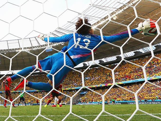 Гильермо Очоа не позволил Бразилии победить