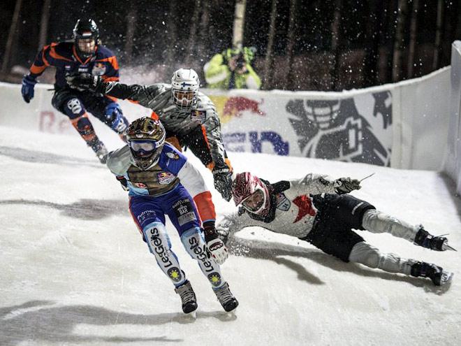 В Финляндии прошёл чемпионат мира по скоростному спуску на коньках
