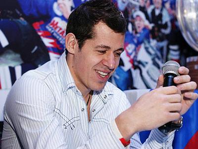 Два Евгения - Малкин и Бирюков - ответили на вопросы болельщиков