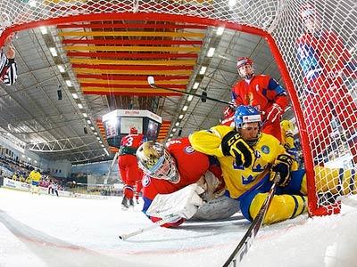 Юниорская сборная России проиграла Швеции