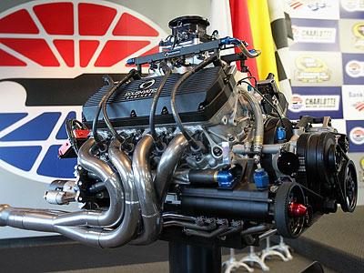 В 2012 году NASCAR переходит с карбюраторных на инжекторные моторы