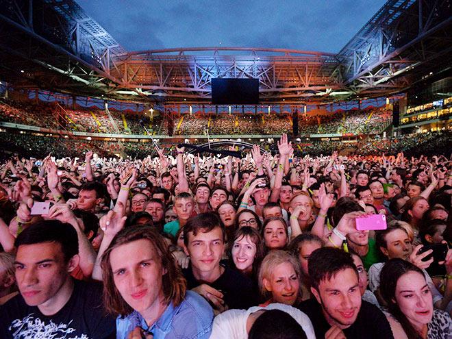 Muse и пирожки – как стадионам в России зарабатывать как в Европе