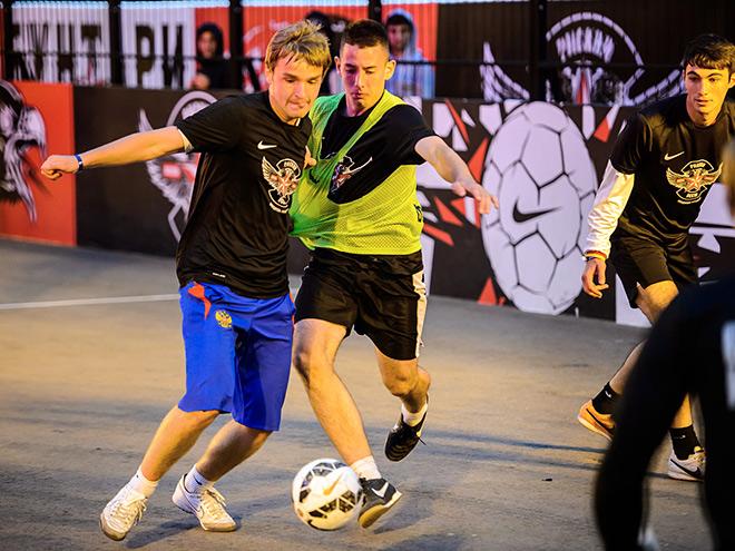 Истории об уличном футболе в четырёх городах мира