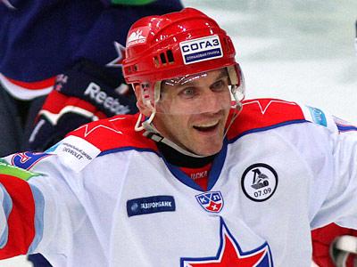 Нападающий ЦСКА Алексей Яшин надеется выиграть матчи в Москве
