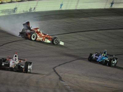 После трёх гонок на овале Пауэр сохранил лидерство в общем зачете Indy