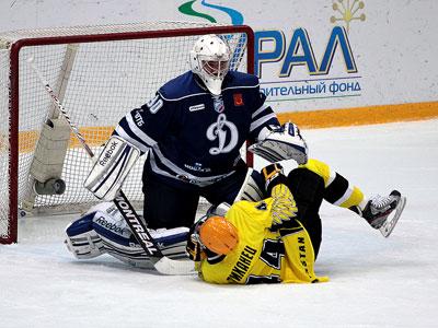 Десять матчей состоялось в ВХЛ