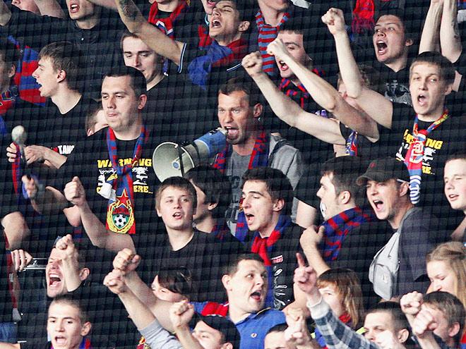 Самые интересные футбольные кричалки России