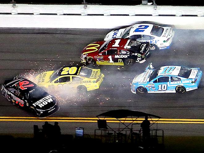В США стартует очередной сезон NASCAR