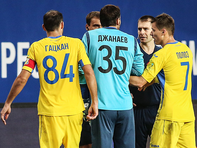 Игроки «Ростова» недовольны судейством Левникова