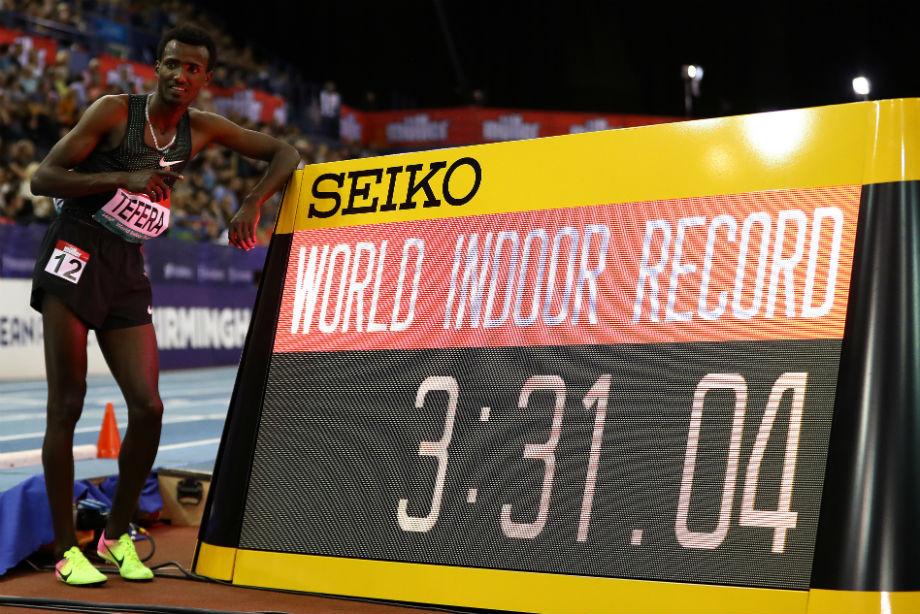 Тефера побил мировой рекорд в беге на 1500 м