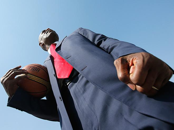 Дикембе Мутомбо