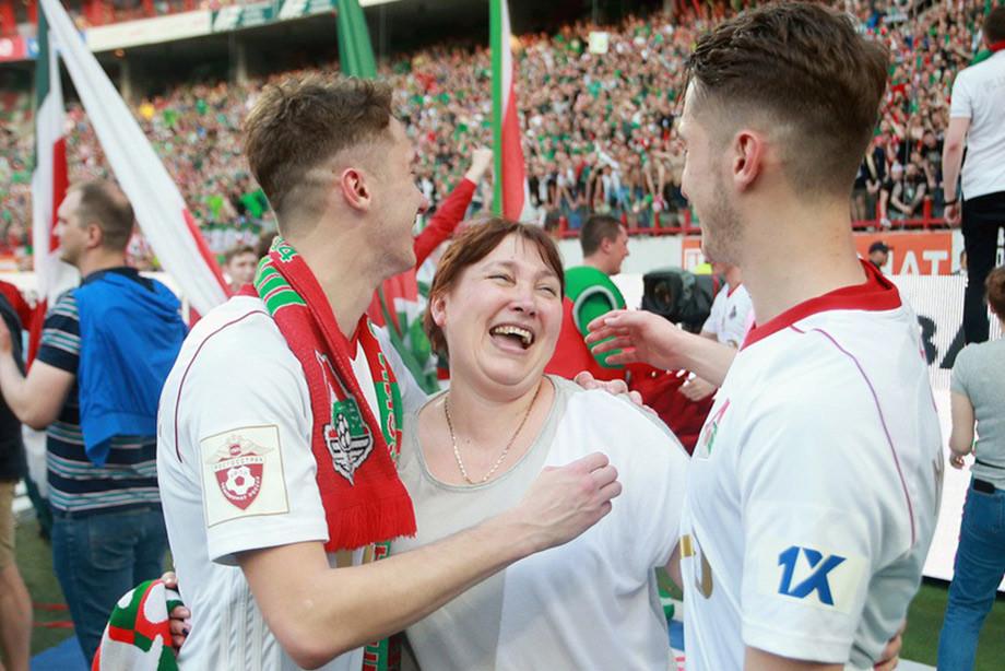Братья Миранчуки с мамой