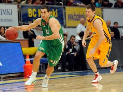Димитрис Диамантидис убегает от Виталия Фридзона.