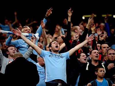 Клубы долго полагались лишь на преданность фанатов