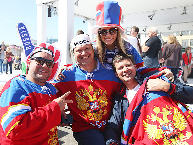 Антураж перед финалом ЧМ Россия - Канада