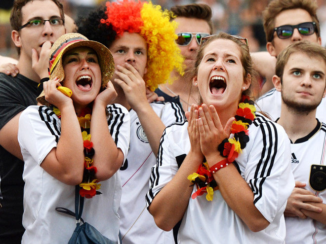 Болельщицы сборной Германии