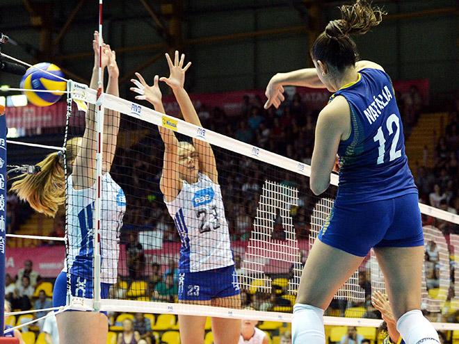 Женская сборная России проиграла бразильянкам