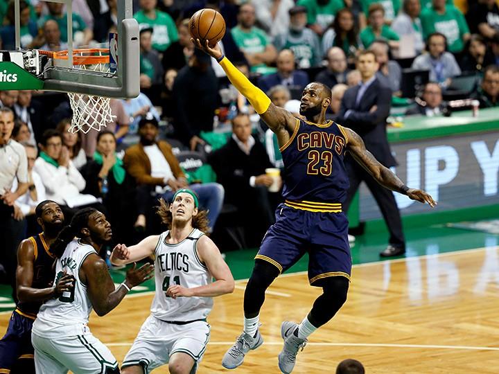 Леброн Джеймс стал самым результативным игроком вистории плей-офф НБА