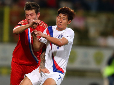 Фёдор Смолов в матче против Кореи