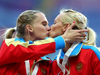 Юлия Гущина и Ксения Рыжова