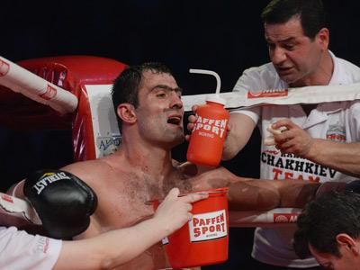 Рахим Чахкиев проиграл нокаутом