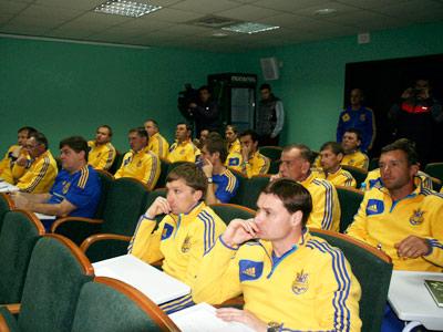 Известные футболисты учатся на тренеров