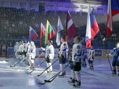 Хоккейные звёзды зажгли в Киеве