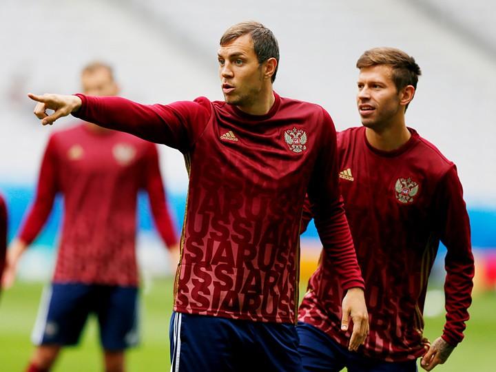 Дзюба – Смолов – противостояние лучших бомбардиров РФПЛ и коллег по сборной