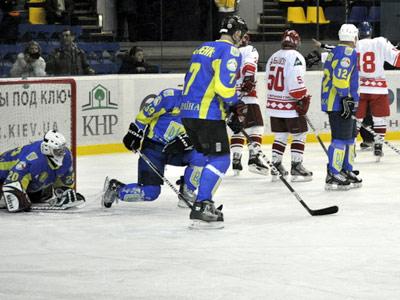 В Киеве состоялся матч ветеранов украинского хоккея и СССР