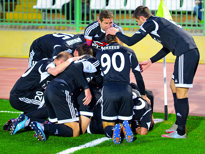 27-й тур ФНЛ: победа «Торпедо» Армавир над «Газовиком», падение «Байкала»