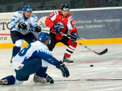 В третьем матче серии плей-офф ПХЛ «Сокол» обыграл «Донбасс-2»