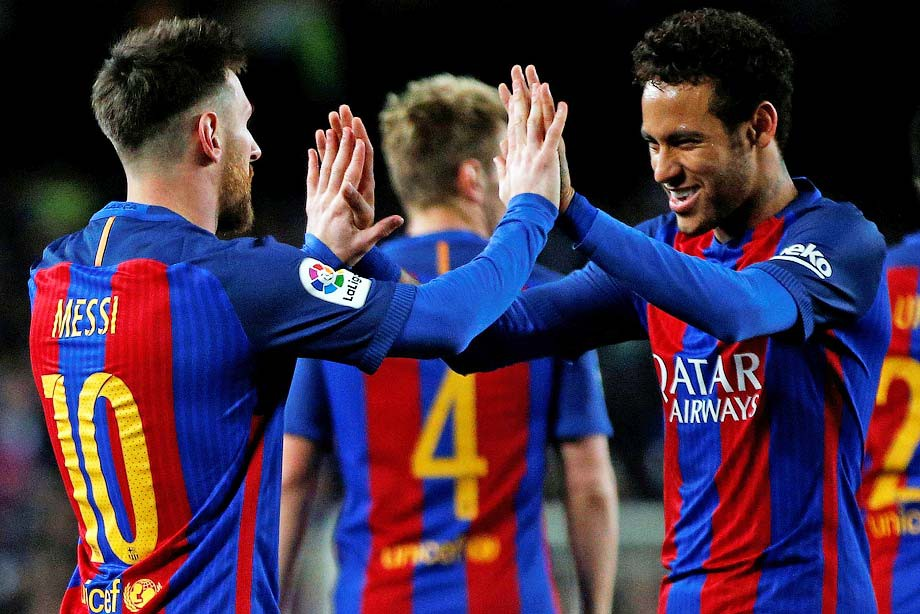 Неймар заверил Месси, что остаётся в «Барселоне». Главное — в обзоре дня